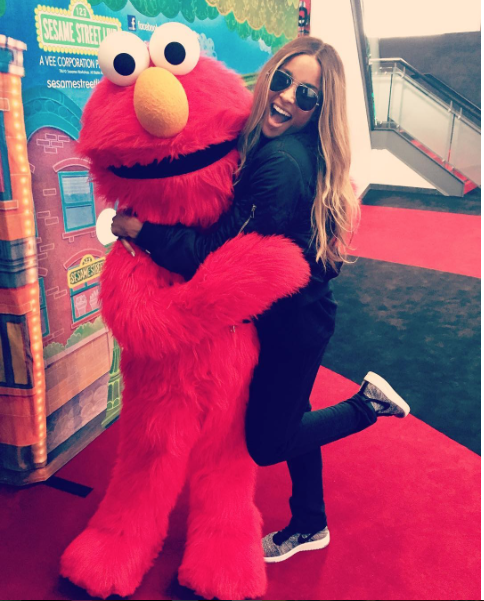 That Air Force rain just won't let up, will it? Ciara landed on our list as she celebrated Mother's Day over the weekend with Elmo and her  Nike Air Force 1 Multicolor Flyknit.