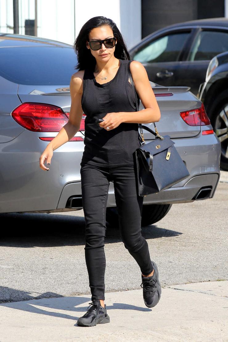 Naya Rivera handled a grocery run in a fresh pair of  Nike Air Huarache Runs.