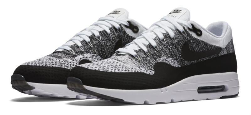 nike-air-max-1-ultra-flyknit-white-black-1_oamrxa (1).jpg