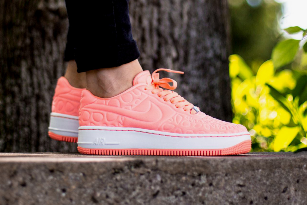 nike-air-force-1-upstep-se-atomic-pink-1.jpg
