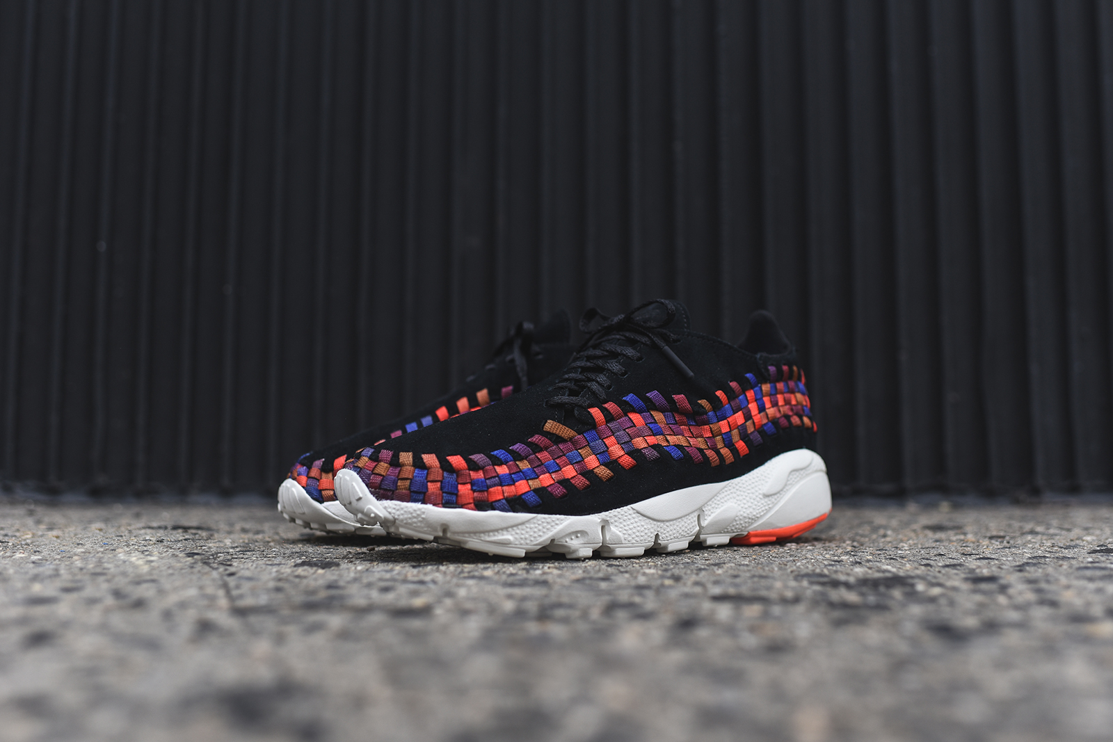 NIke_Footscape_Woven_Pack_Black_3.jpg