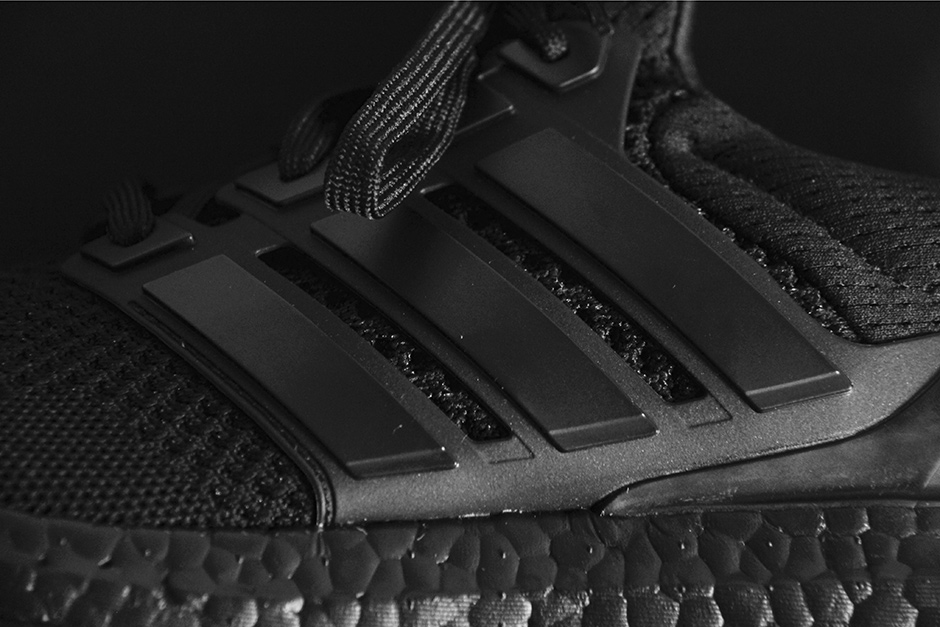 adidas-ultra-boost-triple-black-detailed-preview-03.jpg