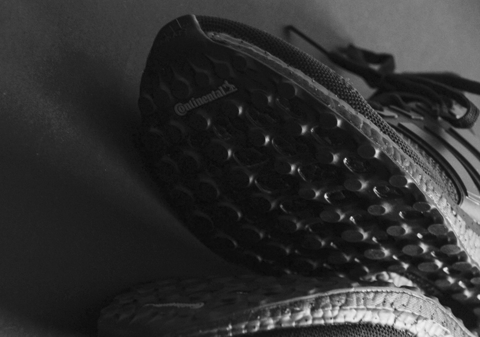 adidas-ultra-boost-triple-black-detailed-preview-04.jpg