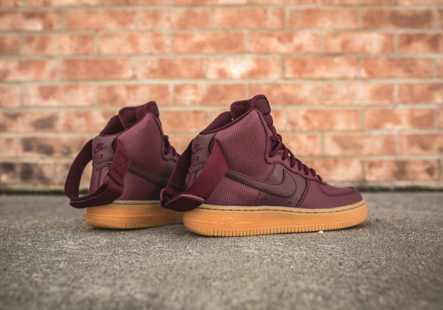 nike-wmns-air-force-1-hi-se-night-maroon-860544-600-4-620x435.jpg