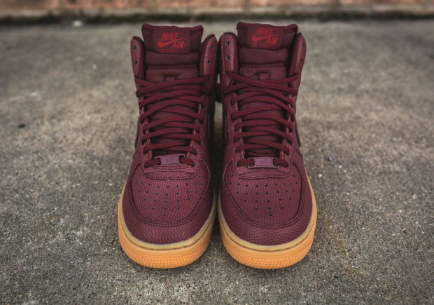 nike-wmns-air-force-1-hi-se-night-maroon-860544-600-6-620x435.jpg
