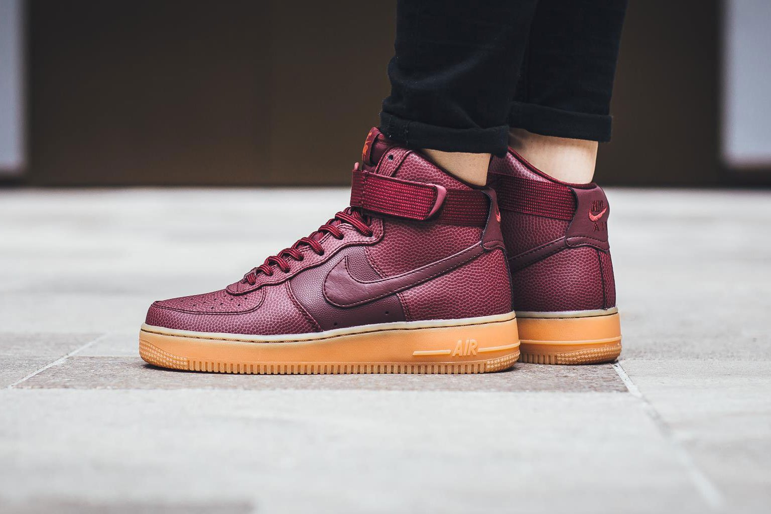 nike-air-force-1-hi-se-night-maroon-1.jpg