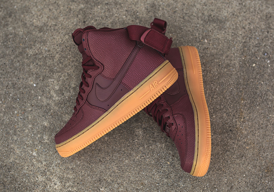 nike-wmns-air-force-1-hi-se-night-maroon-860544-600-1.jpg