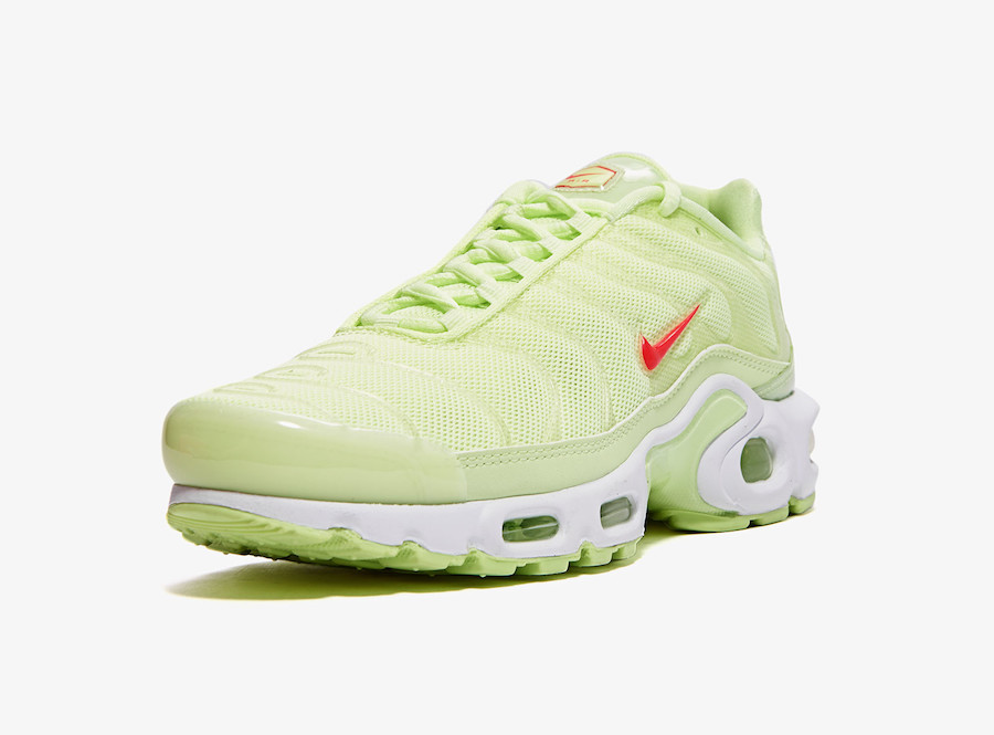 huge discount 502b4 d141d Barely Volt' Hits The Nike Air Max Plus TN SE — CNK Daily ...