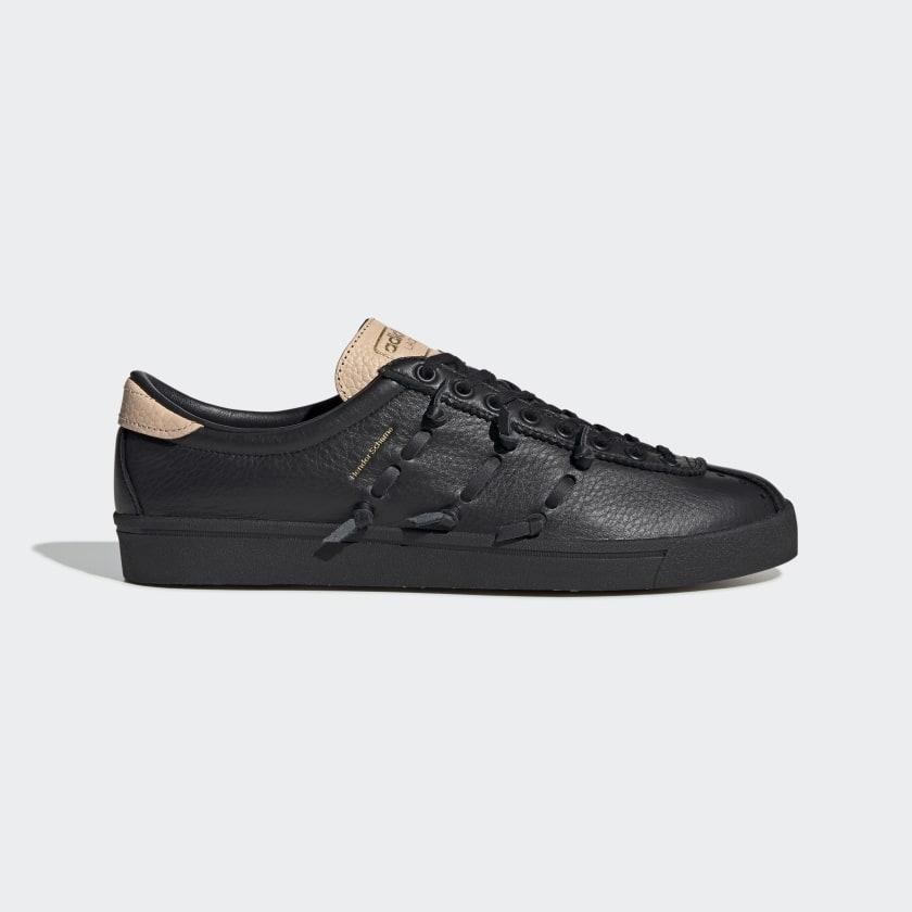 HS_Lacombe_Shoes_Black_EE6014_01_standard.jpg