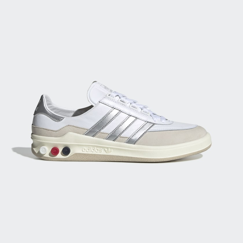 GLXY_SPZL_Shoes_White_F35662_01_standard.jpg