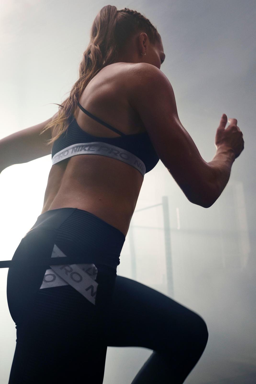 NikeNews_NikeTraining_NikeProCollection_Quigley_5_88794.jpg