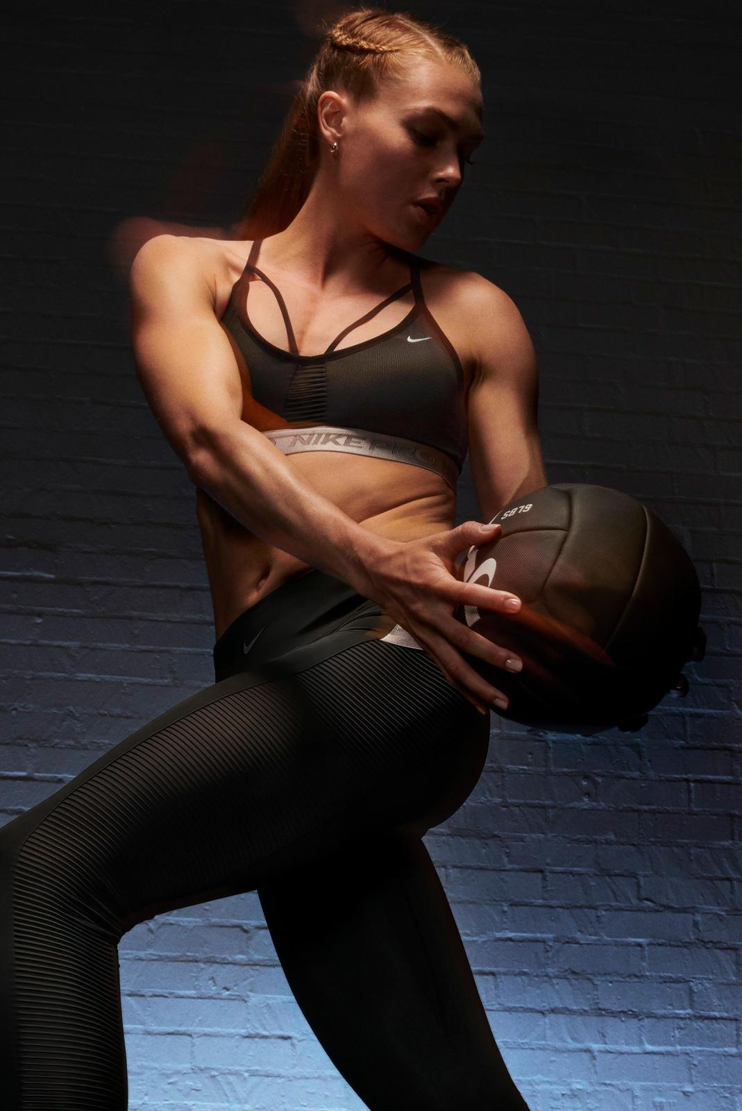 NikeNews_NikeTraining_NikeProCollection_Quigley_4_88790.jpg