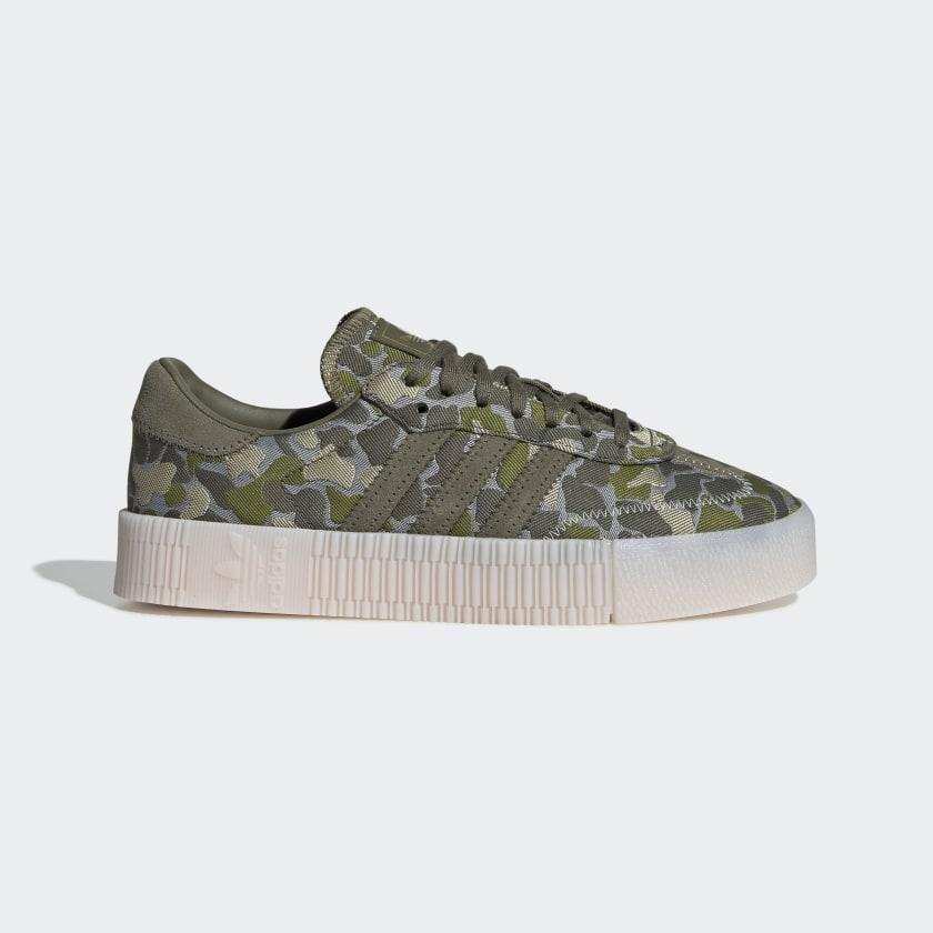 SAMBAROSE_Shoes_Grey_EE4677_01_standard.jpg