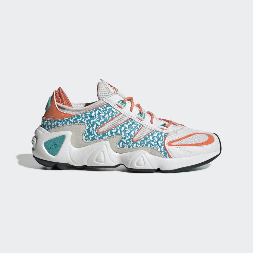 FYW_S_97_Shoes_White_EE5306_01_standard.jpg