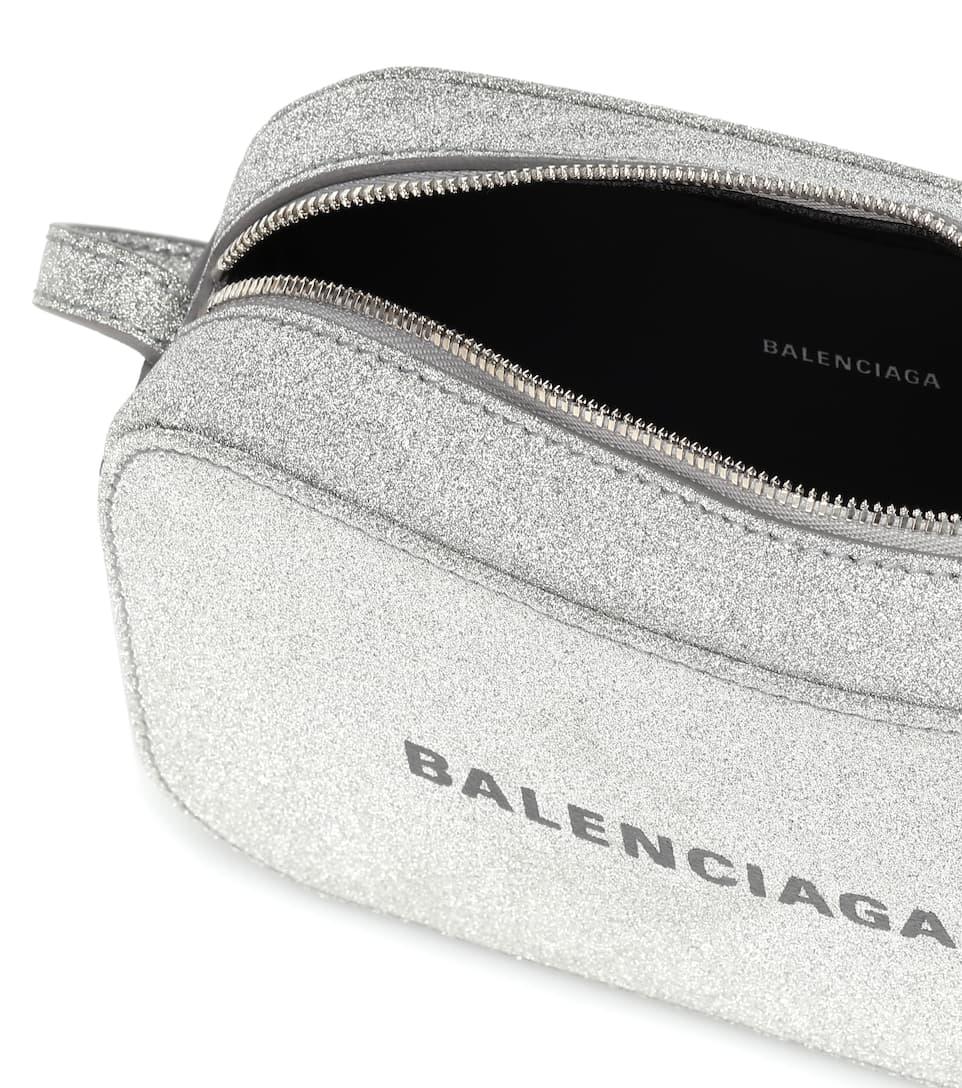 CNK-BALENCIAGA-3.jpg