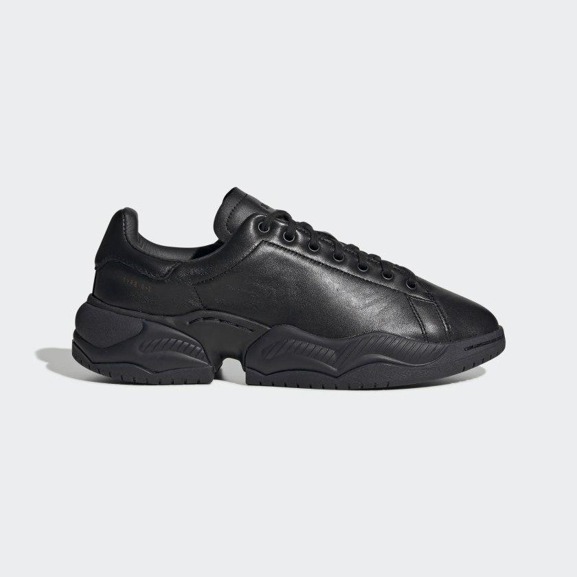 Type_O_2L_Shoes_Black_EF7553_01_standard.jpg