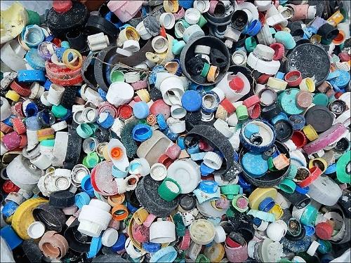 Debris-plastic-bottle-caps