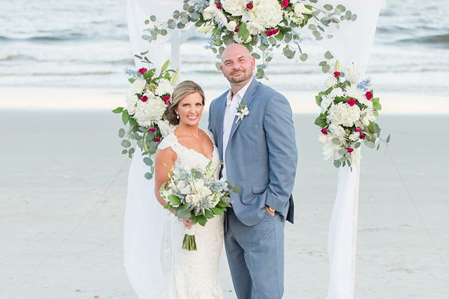 Happy Anniversary to #ebscouple, Dana & Joe! A beautiful wedding, and even more beautiful couple! _ _ #eventsbysantana #ebs #beachwedding #destinationwedding #weddingarbor #weddingarch #archdecor #myrtlebeachwedding #charlestonwedding #southernbride #beachbride #weddingdress #weddinginsp #bridalbouquet #thedailywedding #southcarolinawedding #bride #theknotwedding #bridemagazine