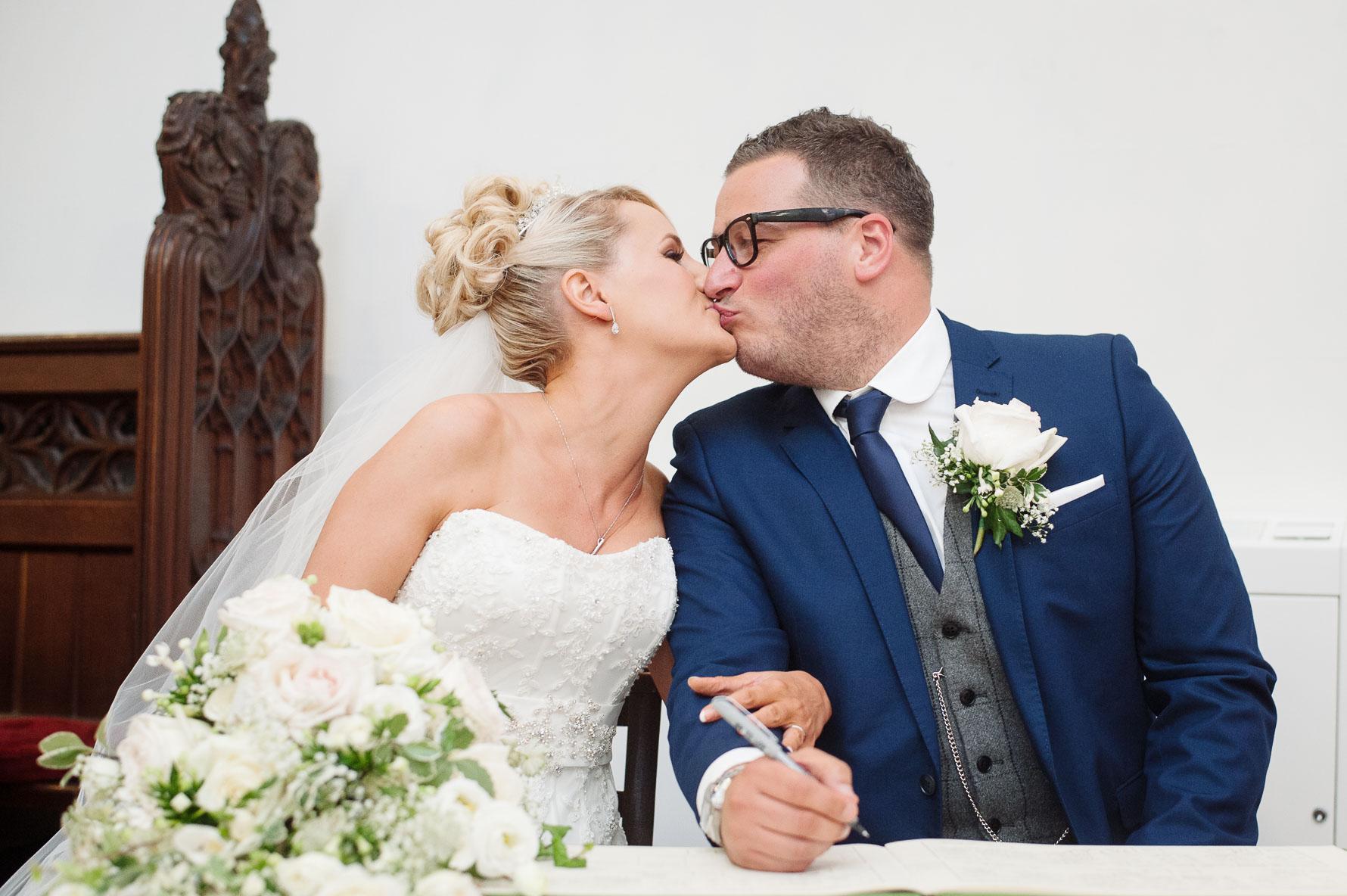 Canterbury Cathedral Lodge Wedding35-20141004 0581