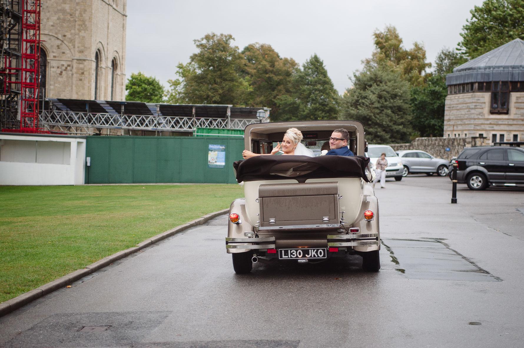 Canterbury Cathedral Lodge Wedding53-20141004 0834