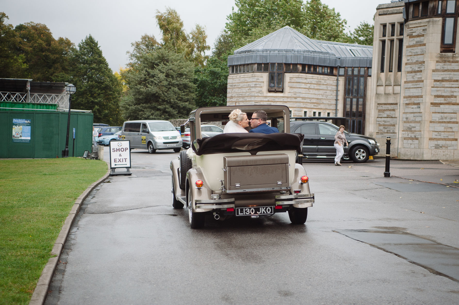 Canterbury Cathedral Lodge Wedding54-20141004 0839