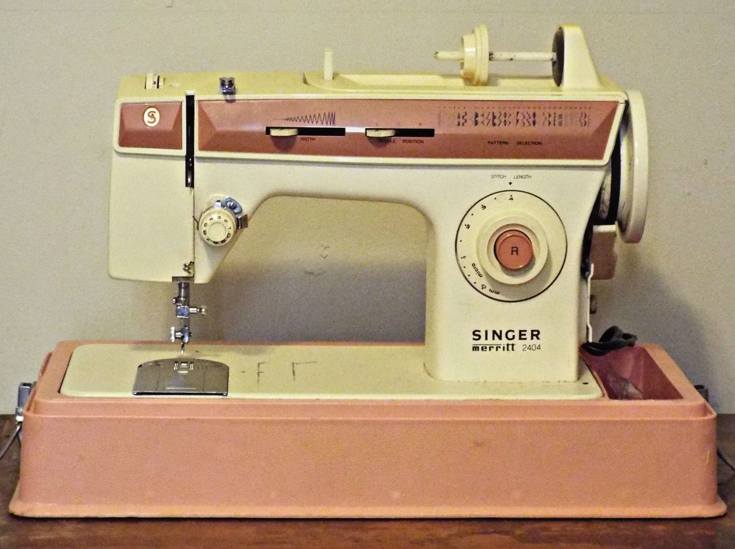 Sis' Sewing Machine