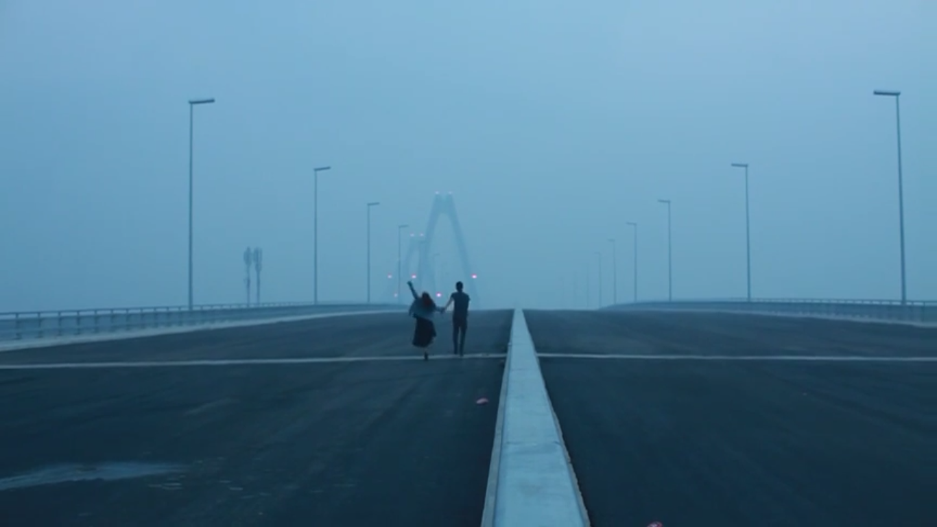 The best image of the bridge I could get from the trailer.