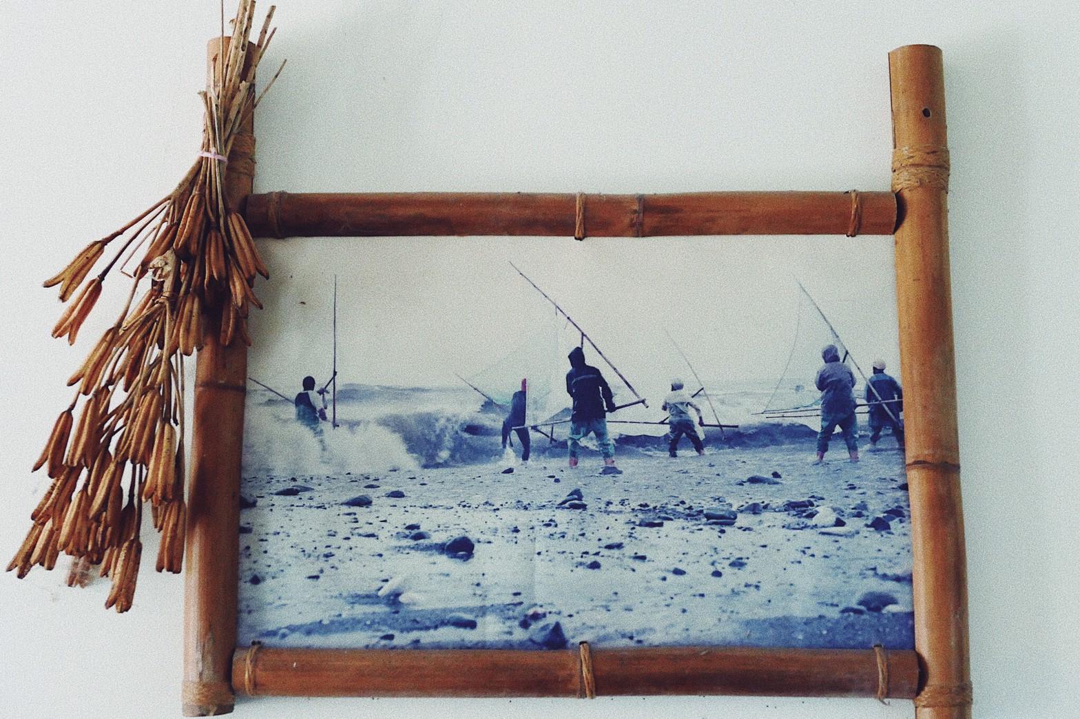 Nakaw老師的攝影作品,她笑說相框是她的工藝品。