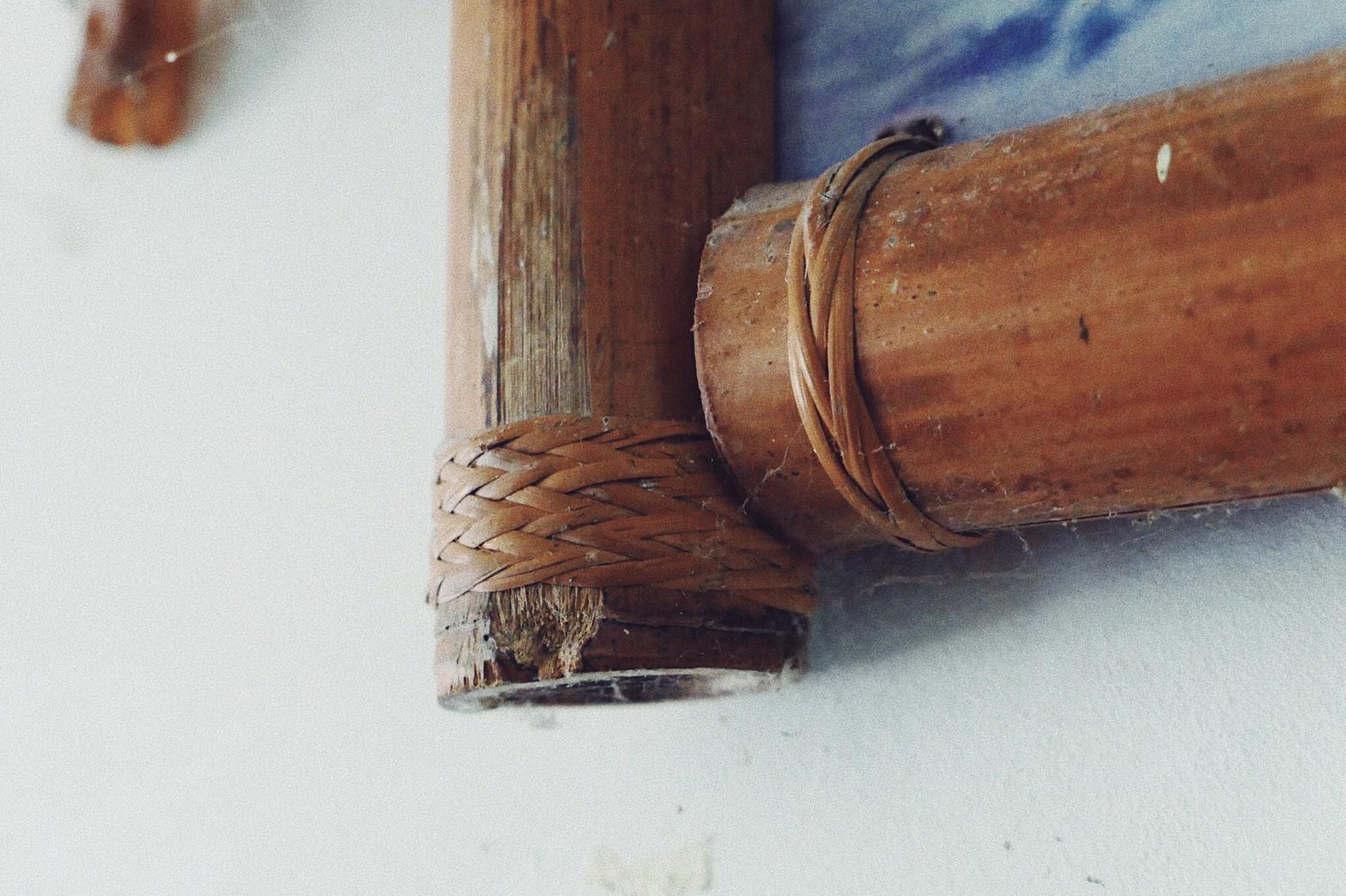 相框細節,利用藤環裝飾竹子。
