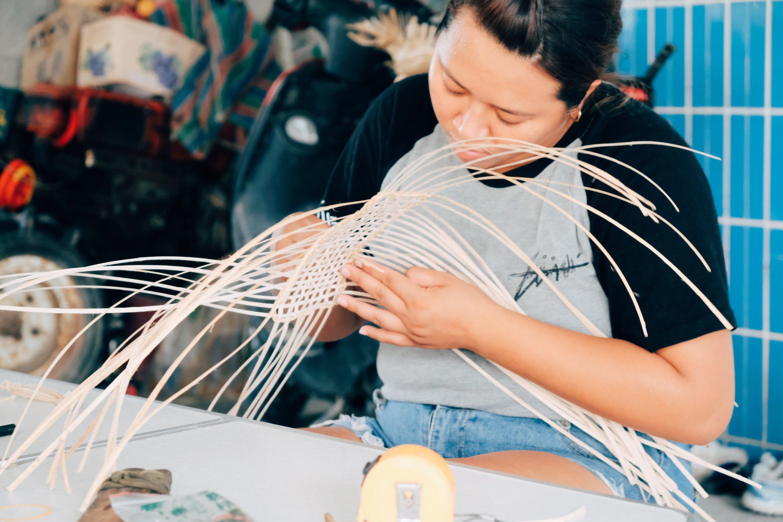 力求把籐編做好,重編對基礎學生是複習的機會。