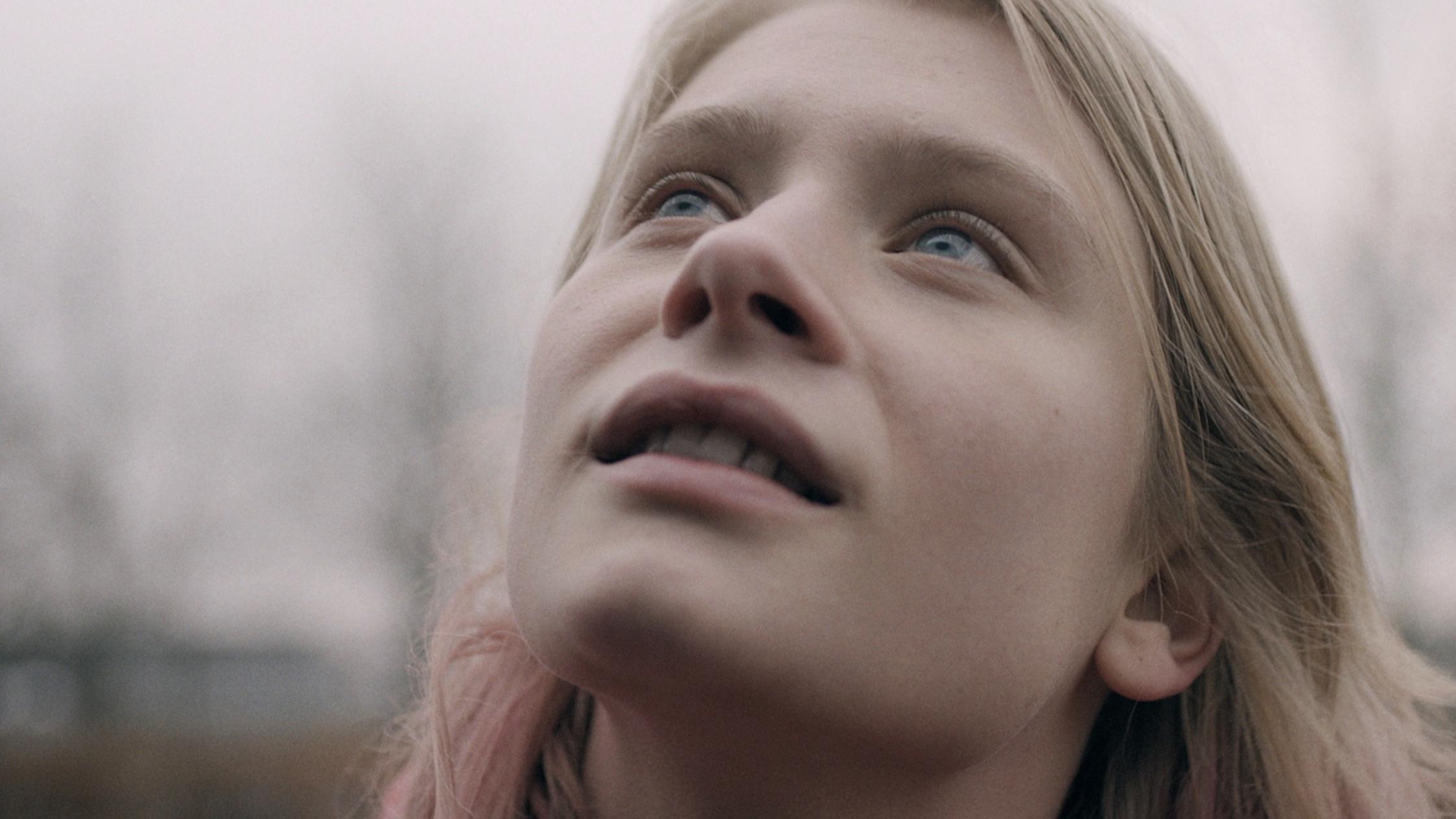 Broods - Bridges // Music video - (starring Clara Rosager)