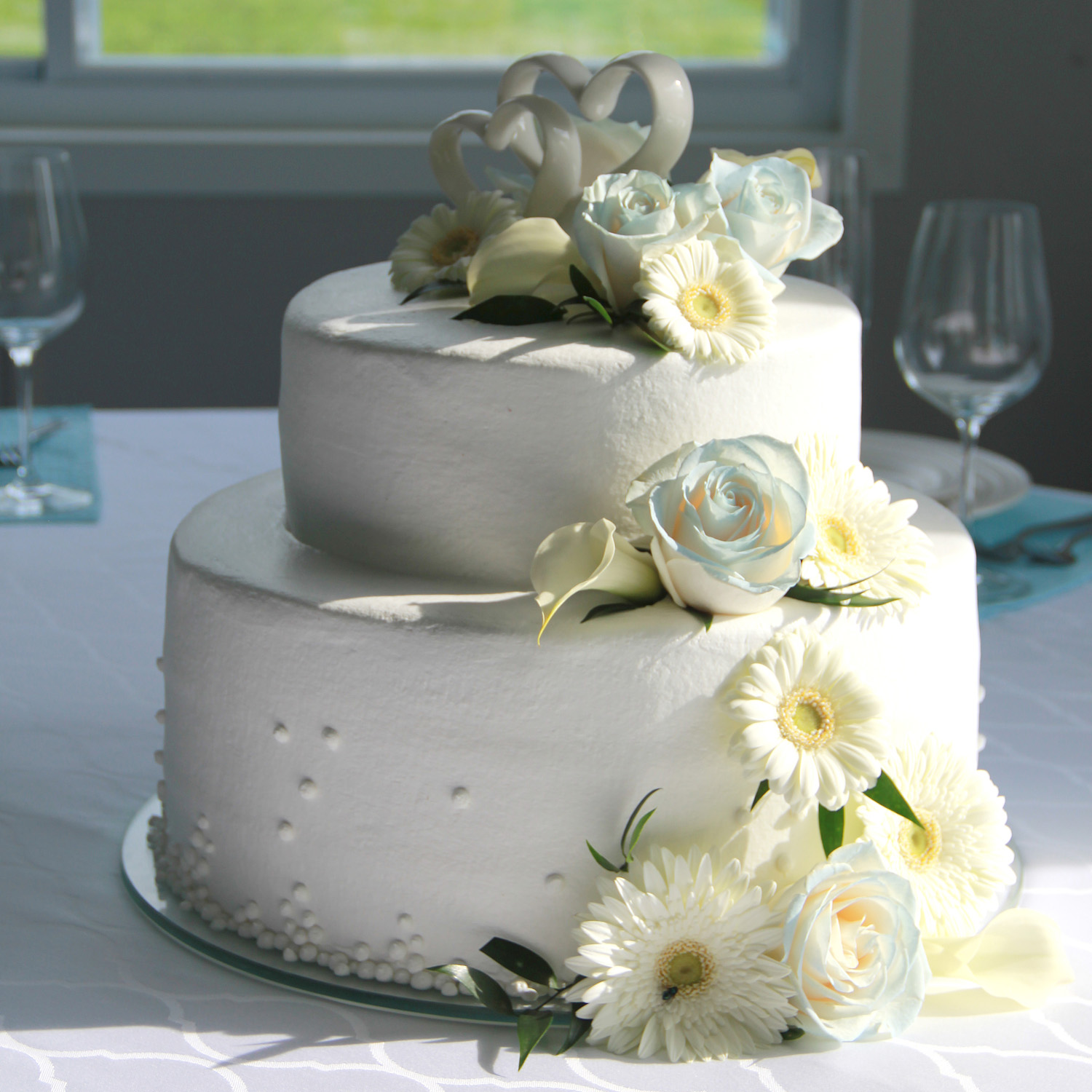 Amish Wedding Cake White Flowers-Middlefield Ohio-Flowers by Emily.JPG