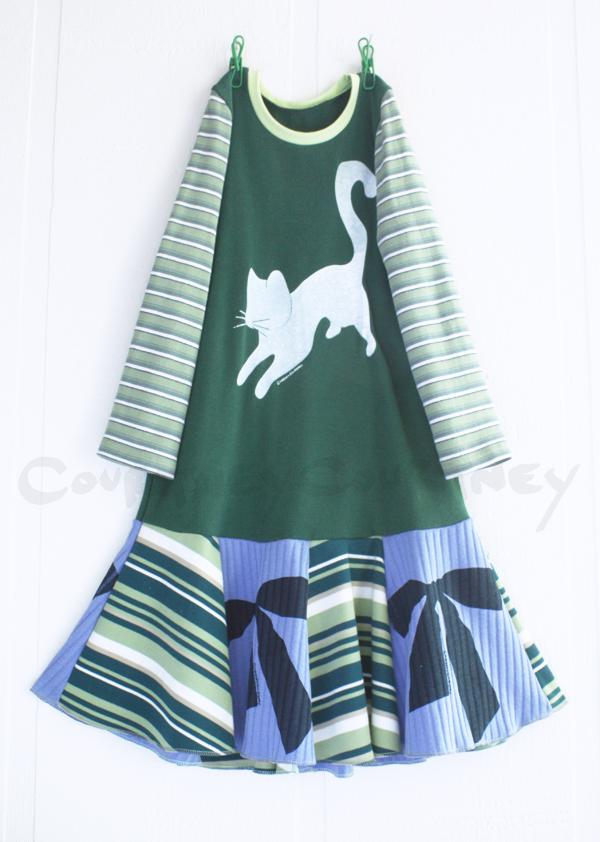 6:7 bows:cat:greens:blues:supertwirl.jpg