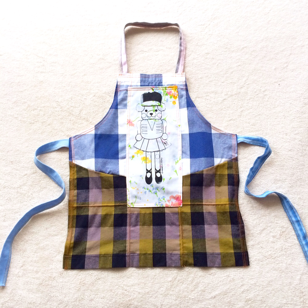 bear apron.JPG