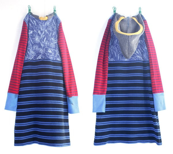 ⅞ blues:red:hood:stripe.jpg
