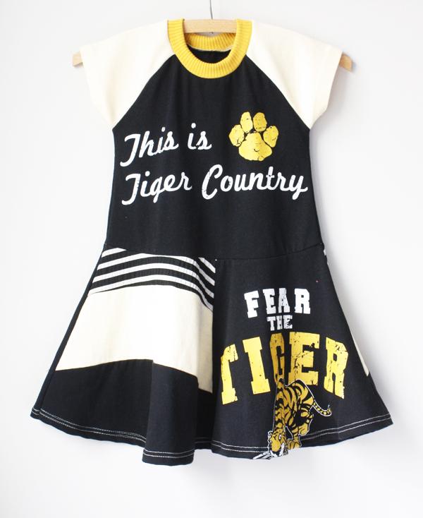 4T tiger:ss:twirl.jpg