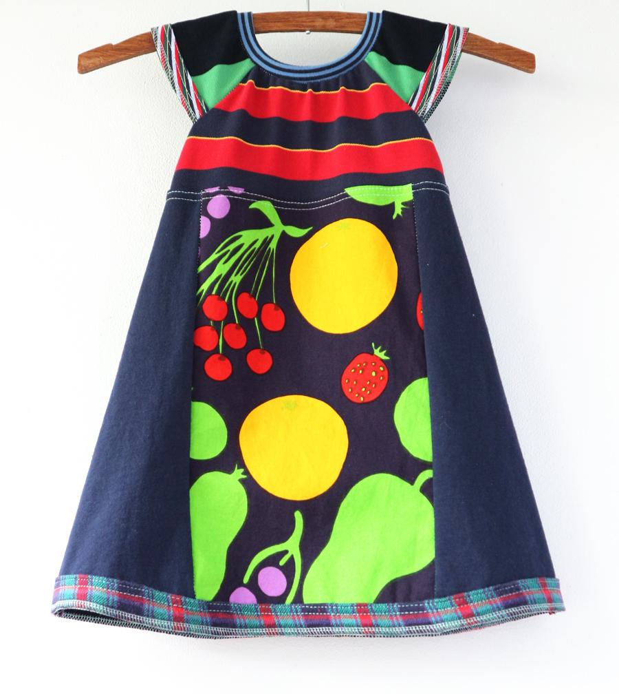2T navy:marimekko:fruit:flutter.jpg