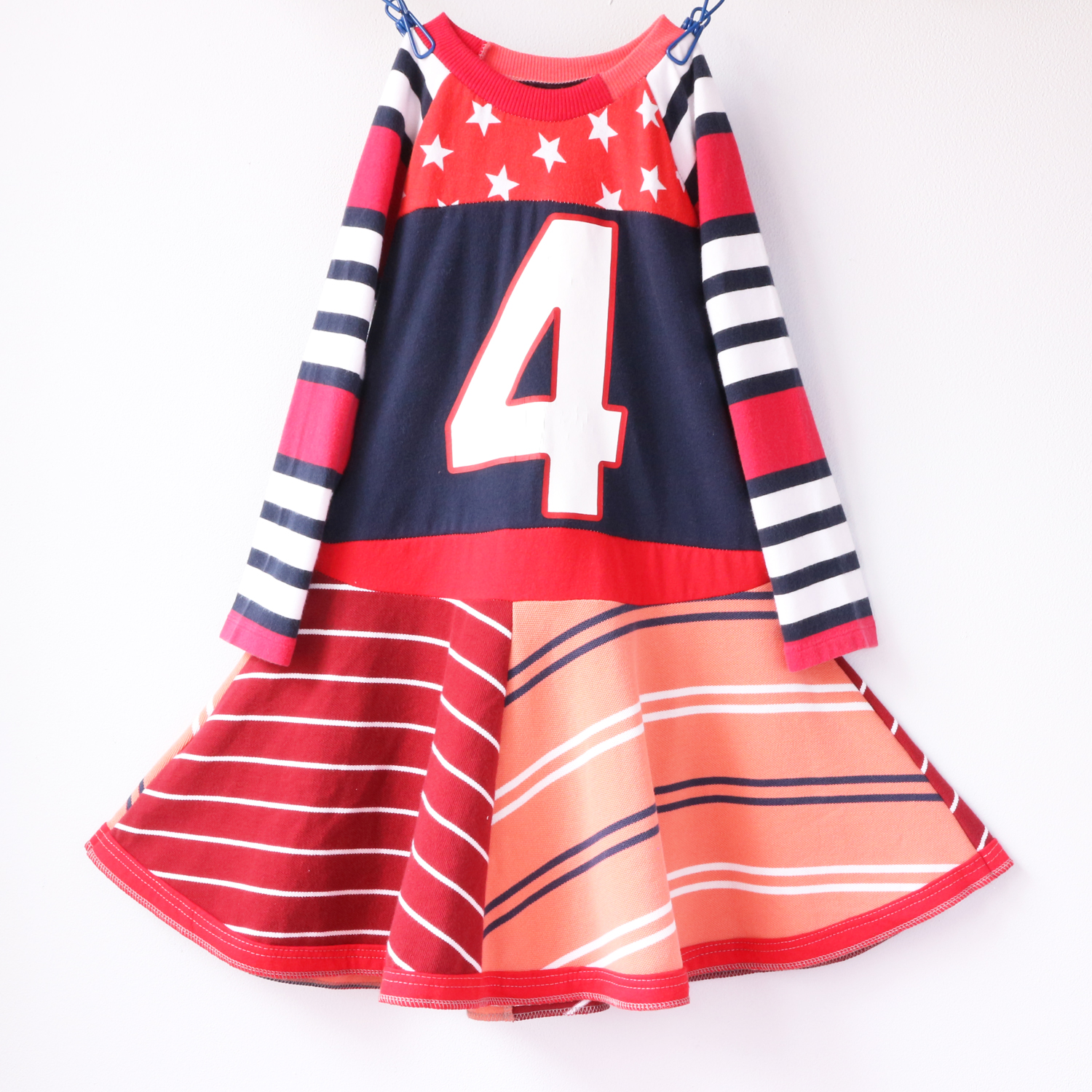 4T stars:4:stripes:red:ls:twirl.jpg