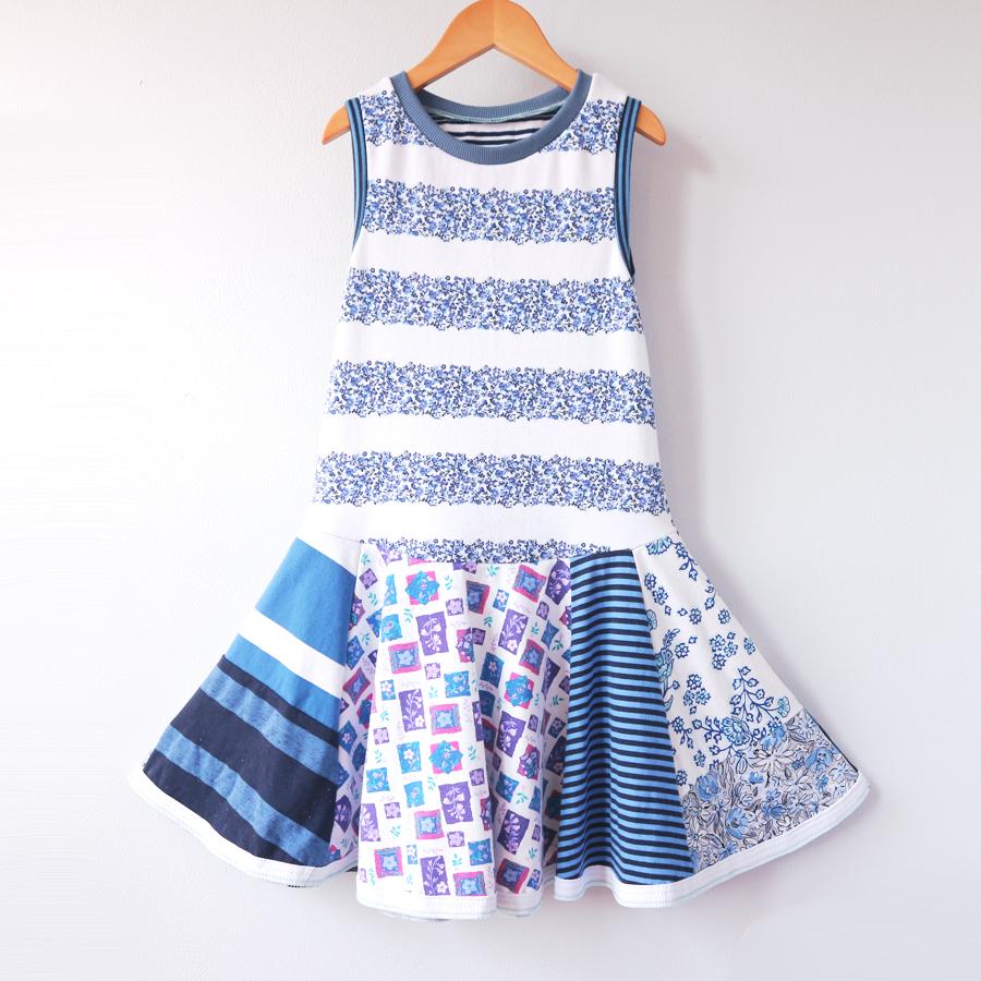 ⅞ blue:white:floral:stripe:twirl.jpg