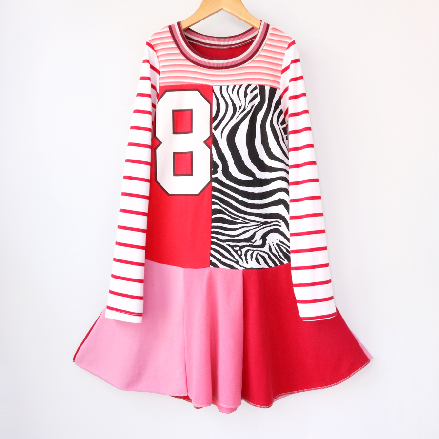 8:10 zebra:red:pink:ls:8:twirl.jpg