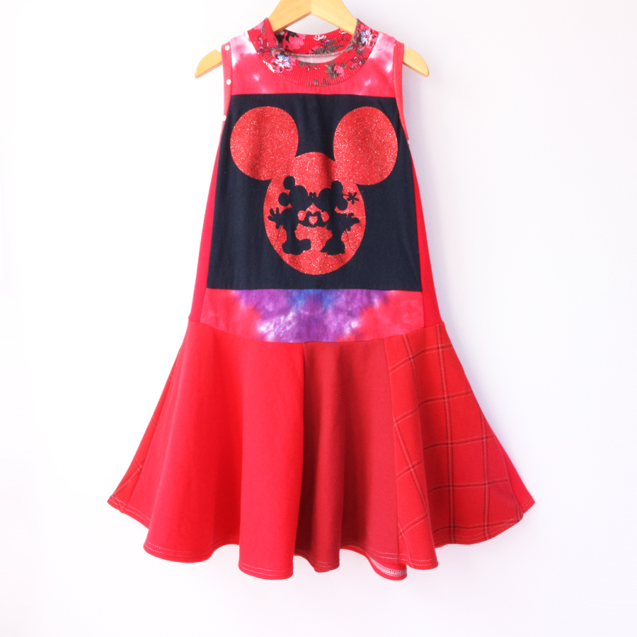 6:7 glitter:mickey:minnie:twirl:red.jpg