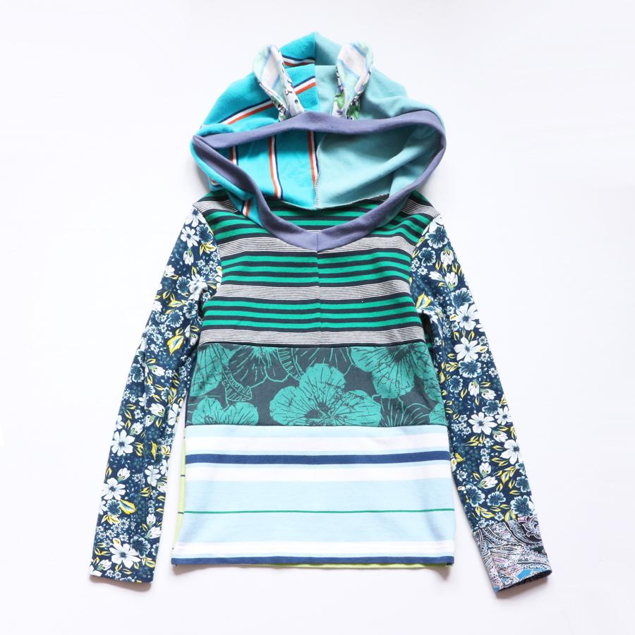 8:10 navy:green:bunny:hoodie:ls:top.jpg