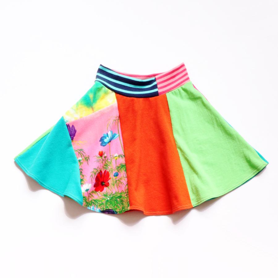 6 vtg:bf:barkcloth:twirly:skirt.jpg