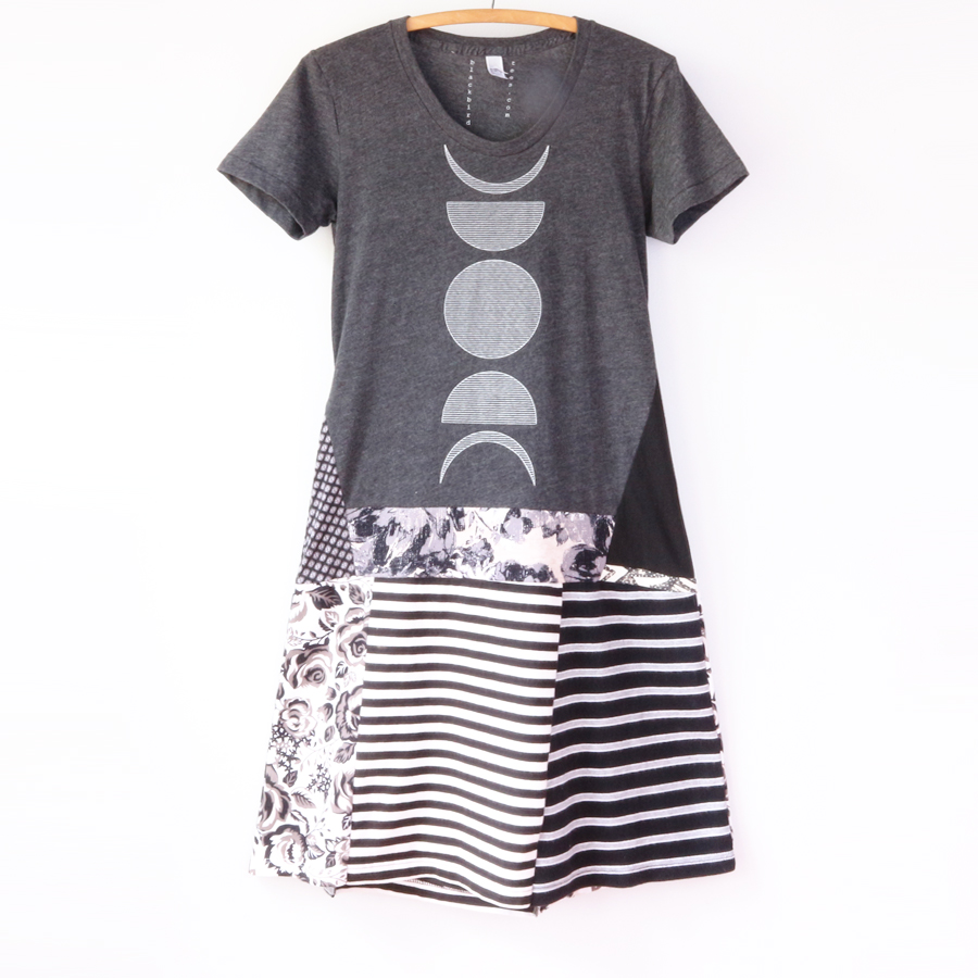 womens short sleeve L moon phases patchwork.jpg