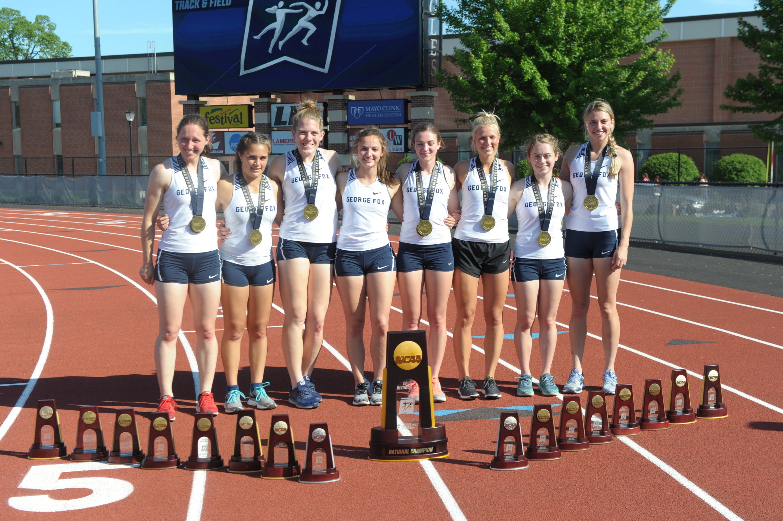 gEORGE fOX uNIVERSITY wOMEN'S tRACK AND fIELD