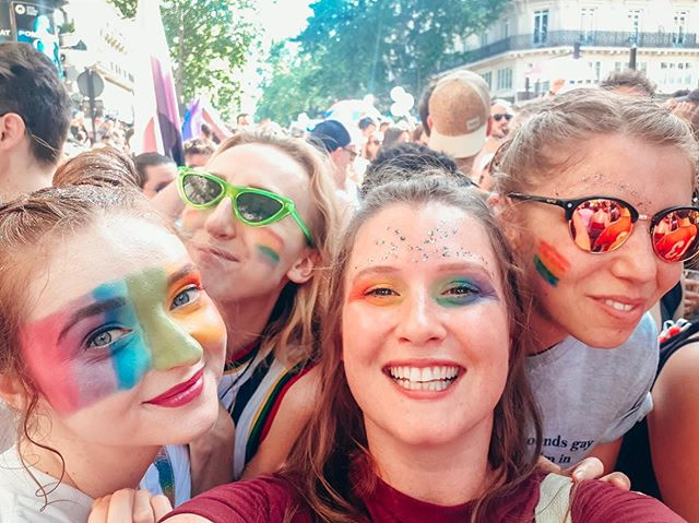 Our last Paris Pride post (for now, at least!) 🌈 so happy to have such a loving, supporting squad - love is love, and we love all our players ❤️🧡💛💚💙💜