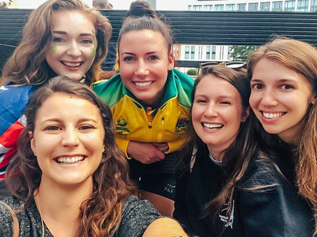 So devastated to hear one of our favourite players, @kelseybrowne_ from @magpiesnetball & @aussiediamonds, has ruptured her ACL - she's one of the nicest people we've ever met, and we're wishing her a quick recovery!! 💚