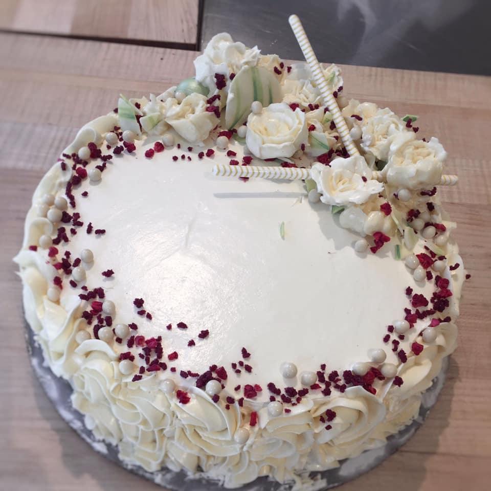 Lemon-vanilla chiffon cake