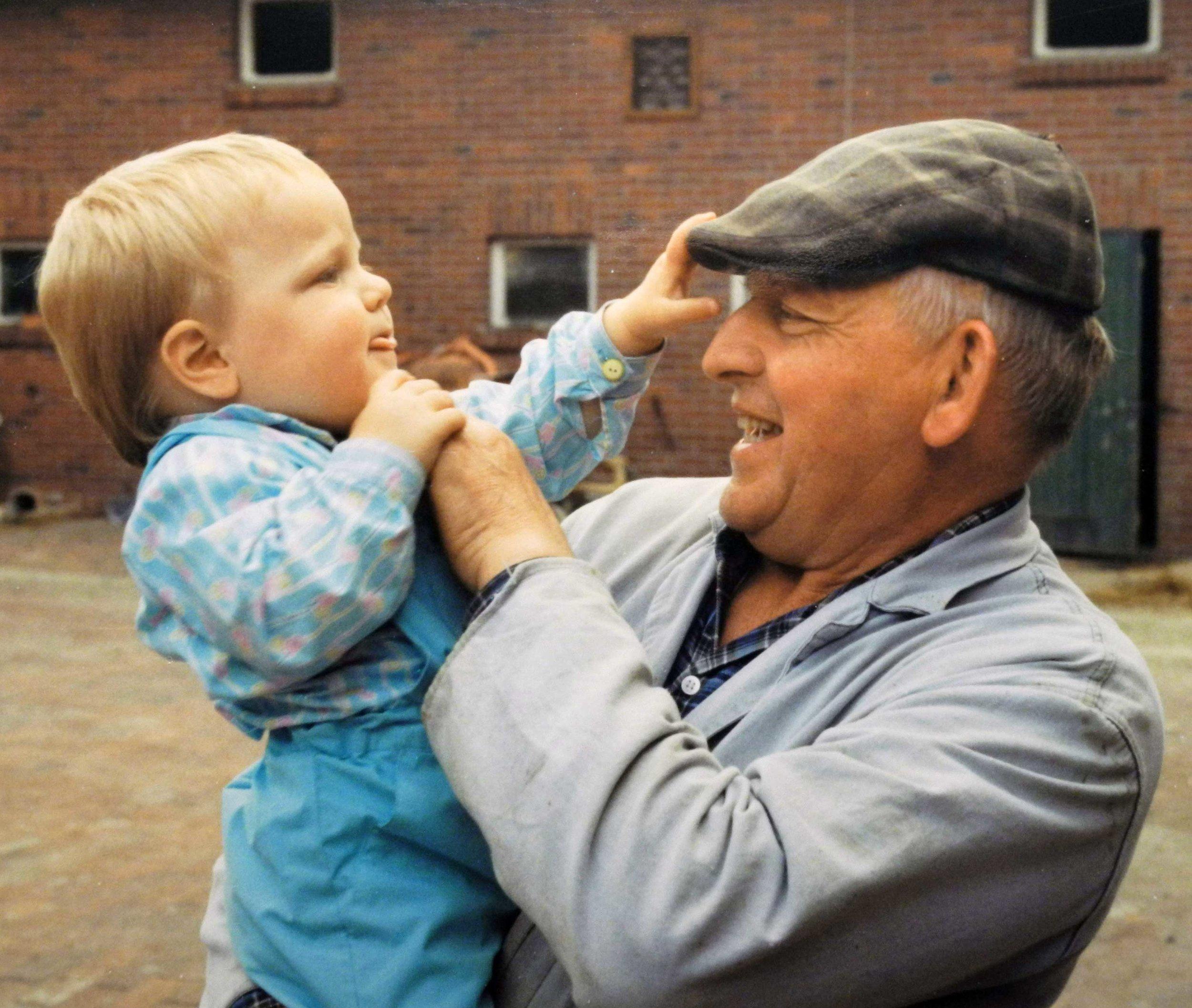 Lernen von älteren Generationen - das gilt nicht nur für die plattdeutsche Sprache.Foto: Georg Geers