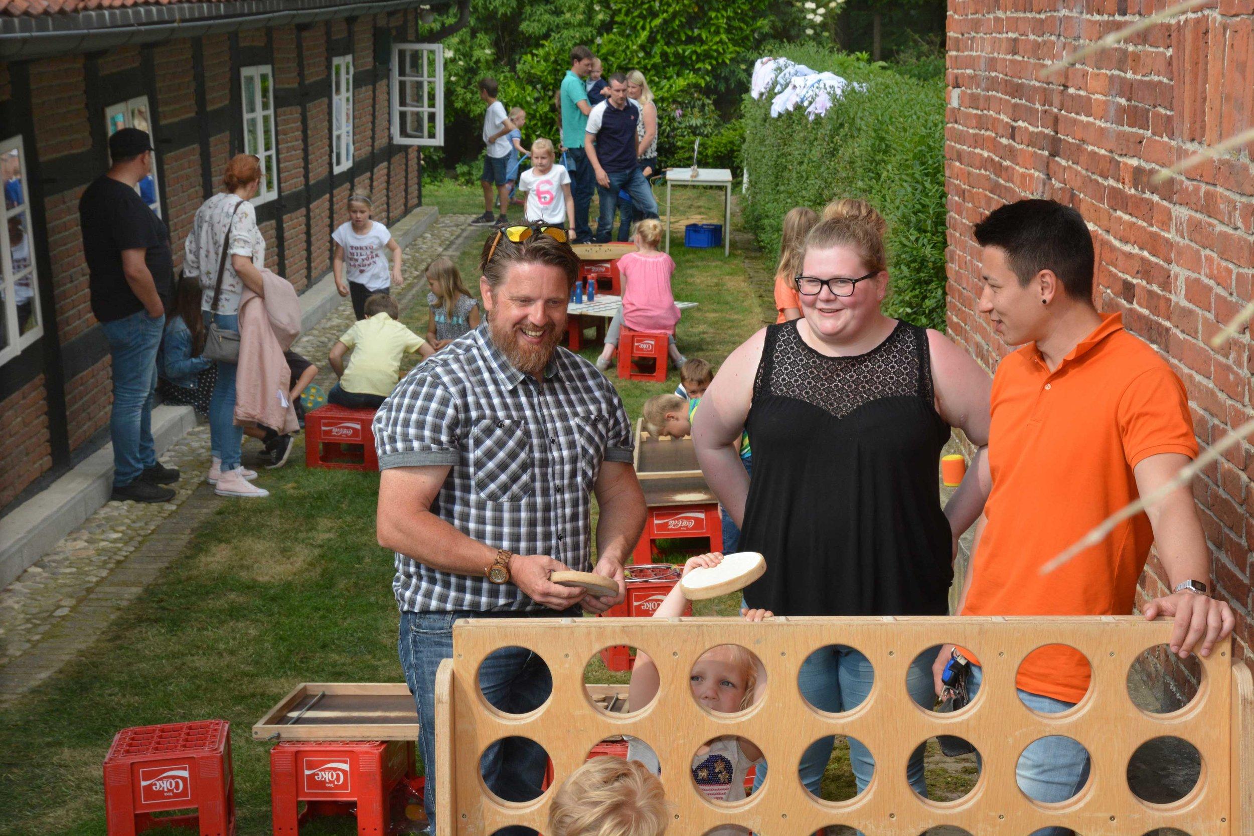 Das Team der Jugendpflege der Samtgemeinde bietet jungen Besuchern eine Fülle von Spielmöglichkeiten.